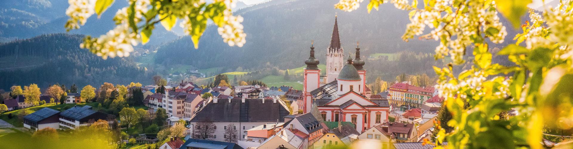 Blick auf Mariazell im Frühjahr, © www.mariazell.blog/Fotograf: Fred Lindmoser