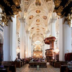 Basilika innen, © www.mariazell.blog