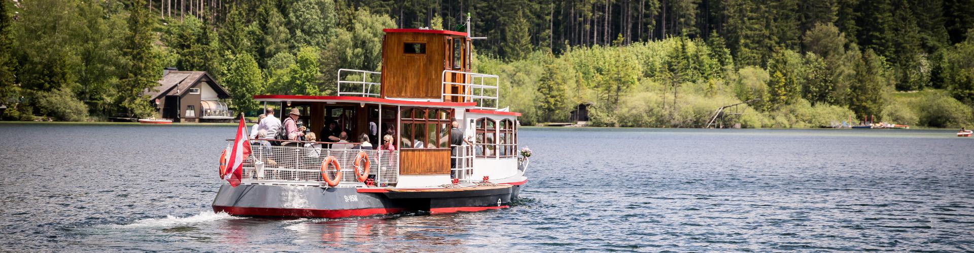 Ausflugsschiff am Erlaufsee, © www.mariazell.blog